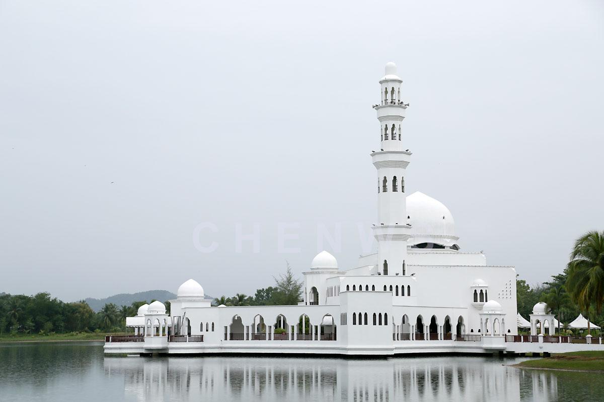 Floating mosque, Rantau Abang