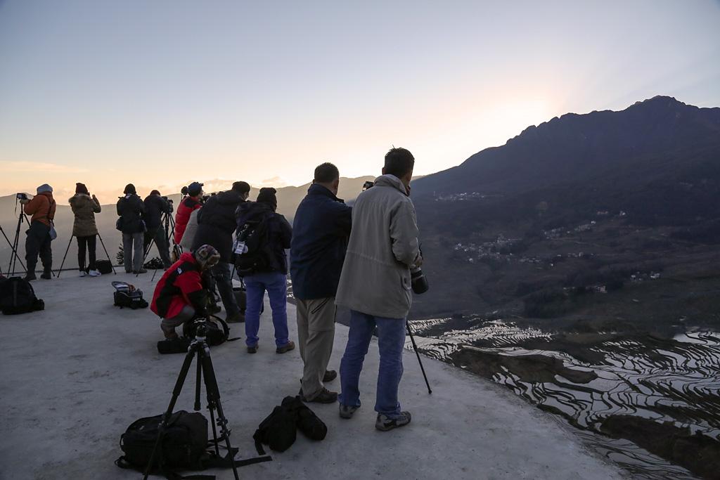 Photographers at HuangChaoLing sunrise