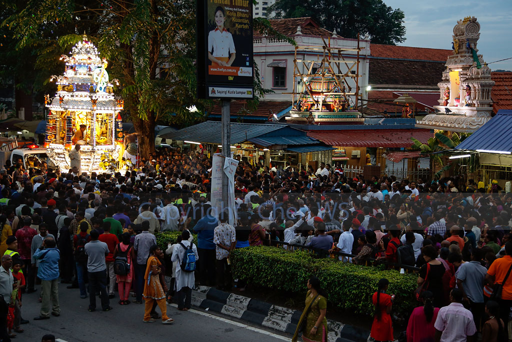 The Silver chariot bearing Lord Muruga arrives at the Sri Thandayuthapani Temple