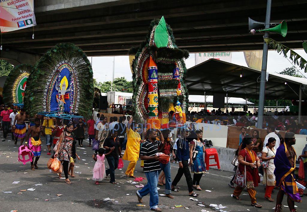 Kavadi carriers