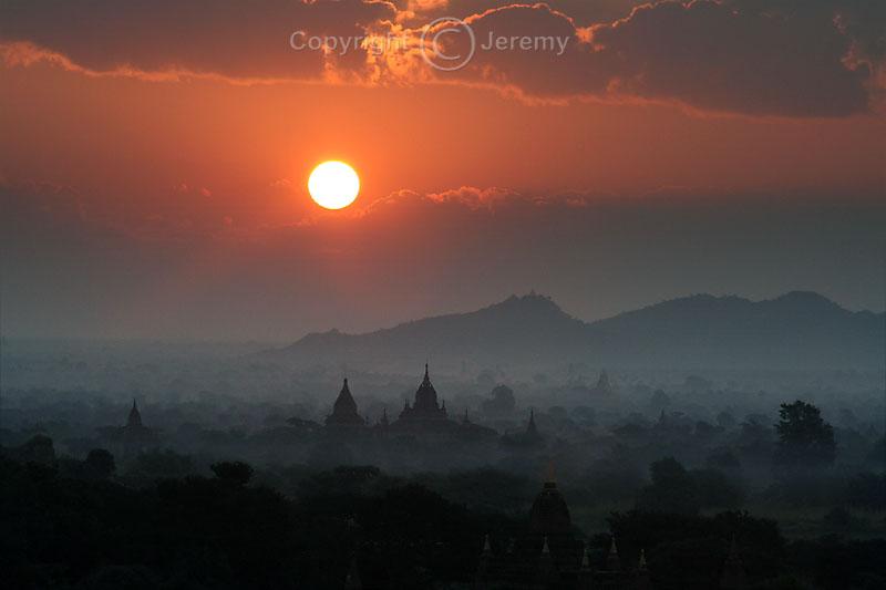 A Firey Sun Over Bagan (Dec 06)