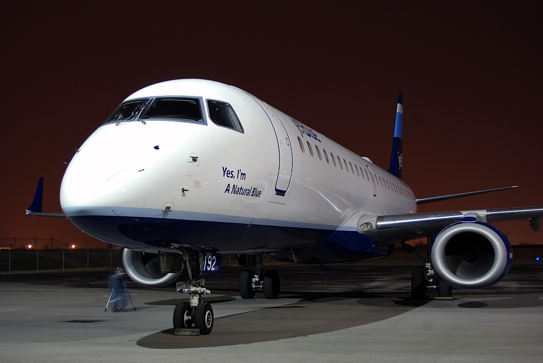JetBlue Airways Embraer 190 (N192JB)