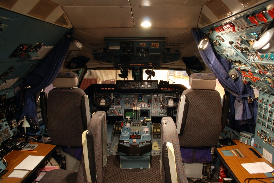 Antonov Design Bureau Antonov-124-100 Ruslan (UR-82072) **Cockpit**
