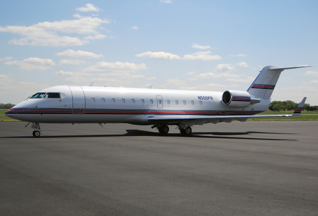 Penske Racing Team CRJ-200ER (N500PR)