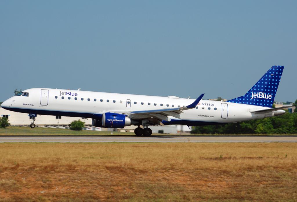 JetBlue Airways Embraer 190 (N229JB)