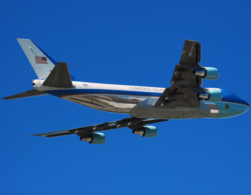 USA - Air Force Boeing VC-25A (747-2G4B) (82-8000)  **Air Force One**