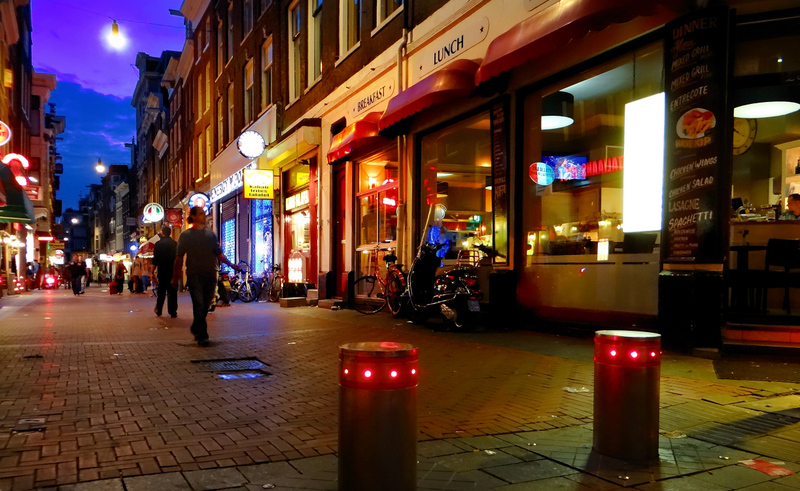 Amsterdam: the darkest hour never comes in the night...