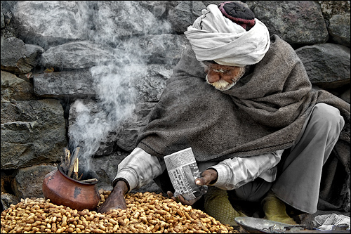 The old man and his peanuts