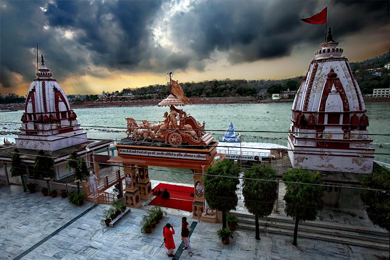 Parmarth Niketan along the Ganga