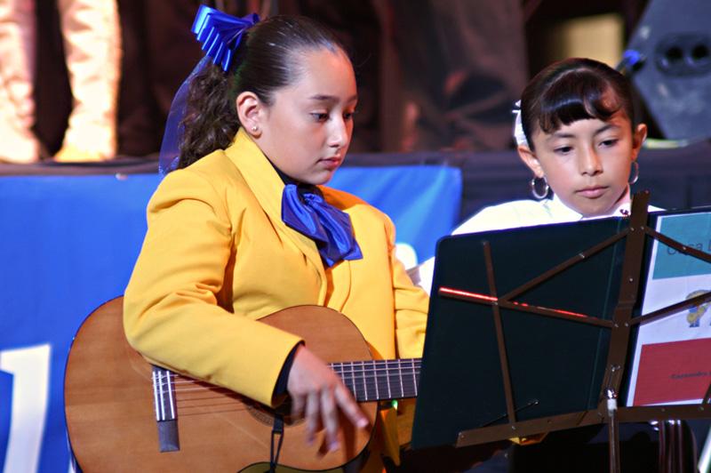 Mariachi Students-16.jpg