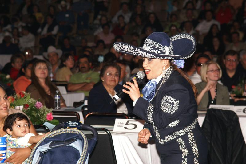 Mariachi Mujer 2000-12.jpg