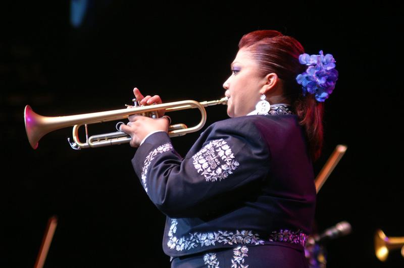 Mariachi Mujer 2000-14.jpg