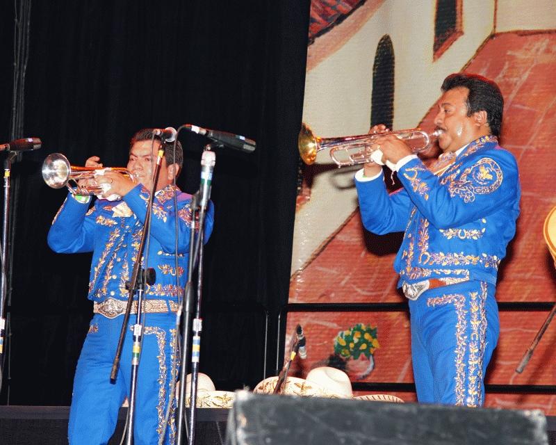 Mariachi Imperial 2008-13.jpg