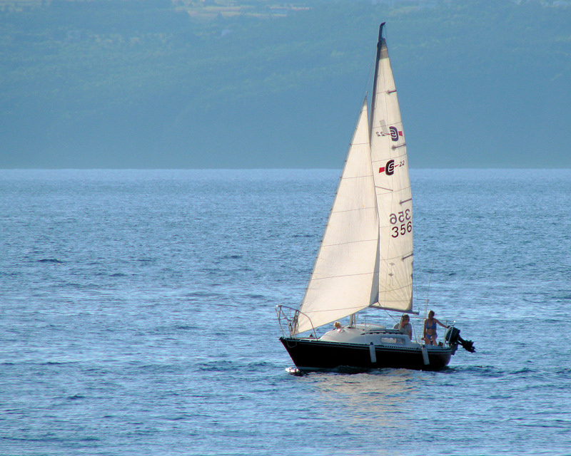Conception Bay 011<br>Sailing off St. Phillips Beach