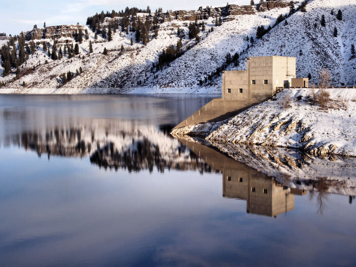 Mild Winter at the Reservoir by jennyi