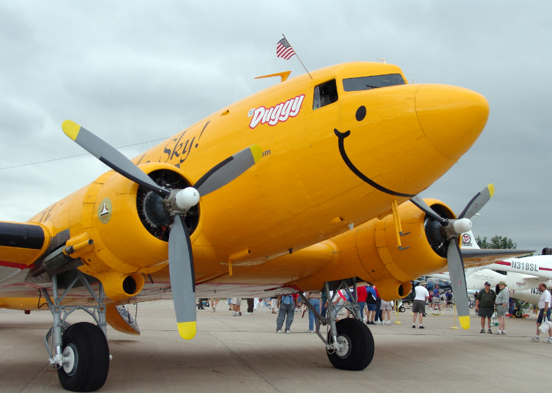 Duggy, the smiling yellow DC-3