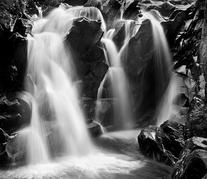 Ent water falls B  W