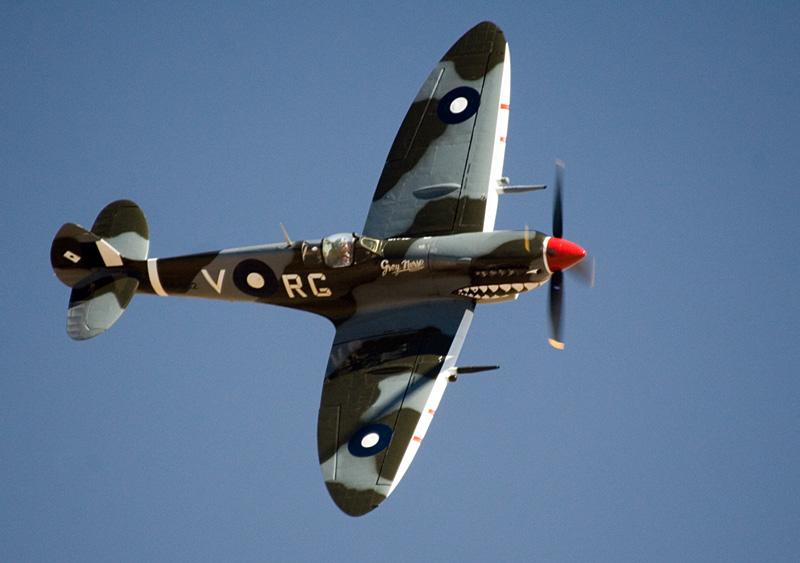 Spitfire_MkVIII_03.jpg