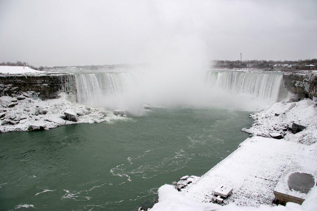 Winter At Niagara - Horseshoe Falls