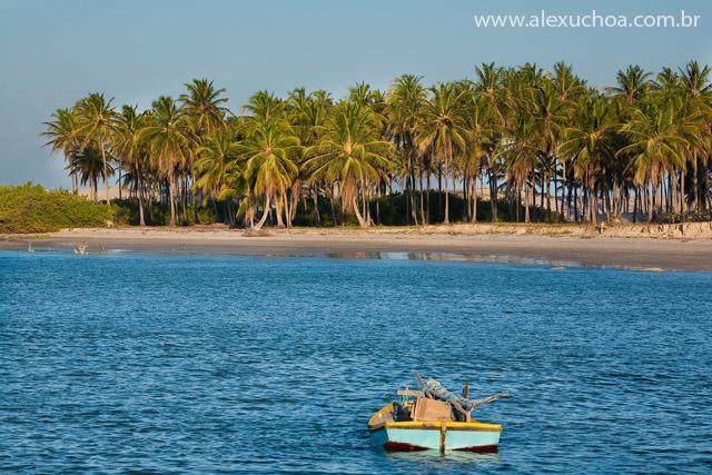 Praia dos Torroes, Itarema, Ceara 1224 091023 blue.jpg