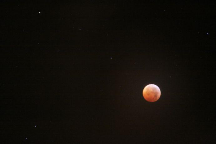 12-21-2010 lunar eclipse 006.jpg