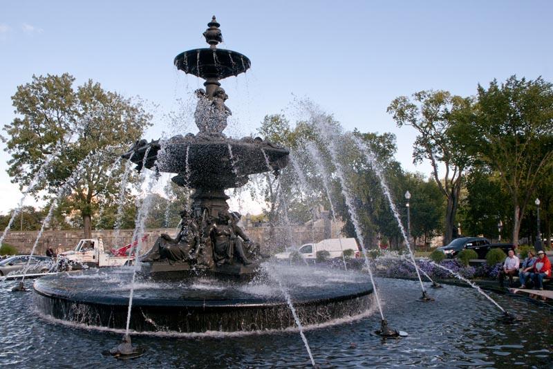 Fontaine de Tourny