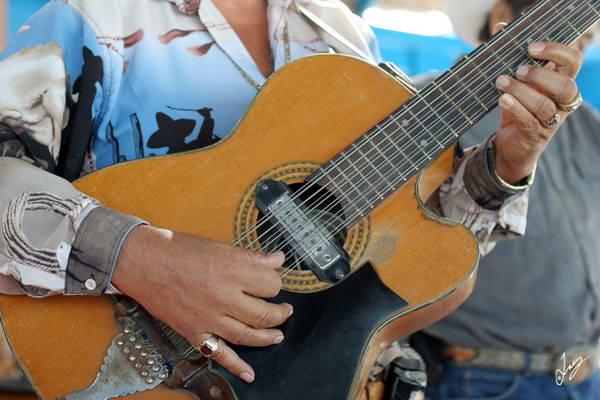 IMG_1705 Beach Musician, La Paz, Mexico Mar 1