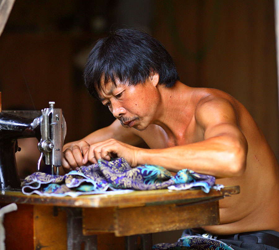 1820 Caiyuan village tailor.