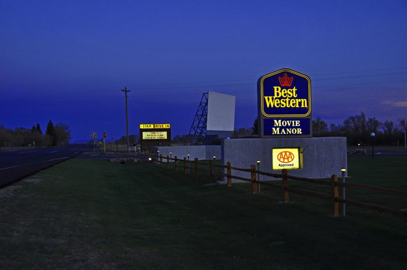 Star Drive In & Movie Manor Motel
