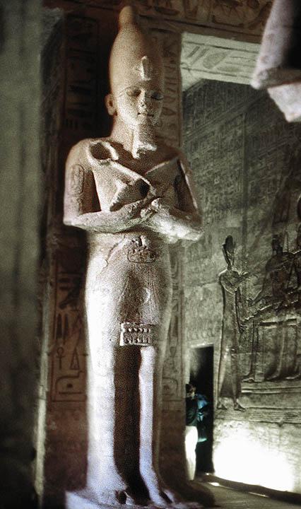 Abu Simbel - Temple of Ramses II -Monumental Ramses II sculpture.jpg