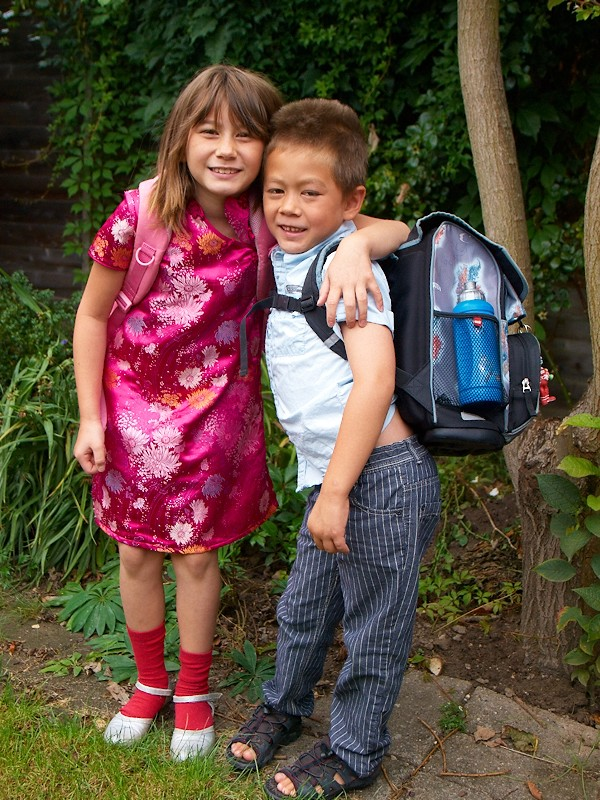 2009-08-12 Olivers first day at school
