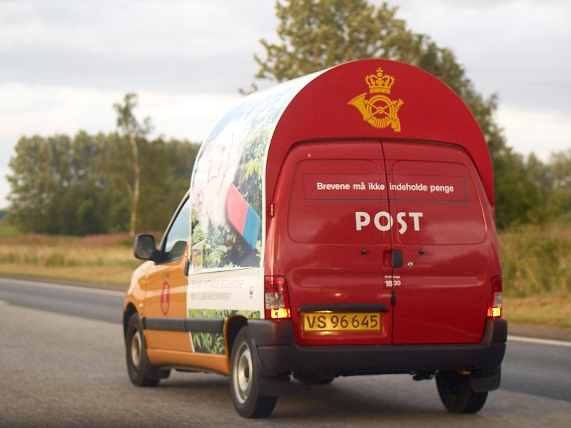 2009-08-16 Letterbox car