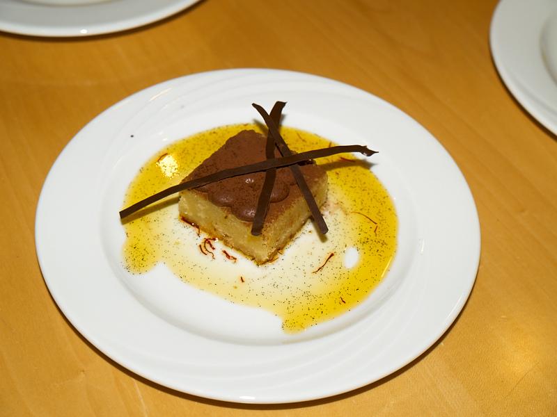 2010-12-20 Prevas cake contest - Safran cake