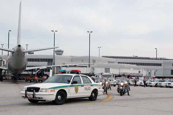 Miami-Dade Police escort the fallen soldier photo #2131