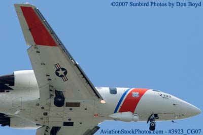 2007 - USCG HU-25C Falcon #2105 military aviation photo #3923 (non-stock)