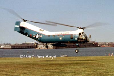 1967 - USAF Piasecki H-21 lifting off from Ft. McHenry, Baltimore, MD