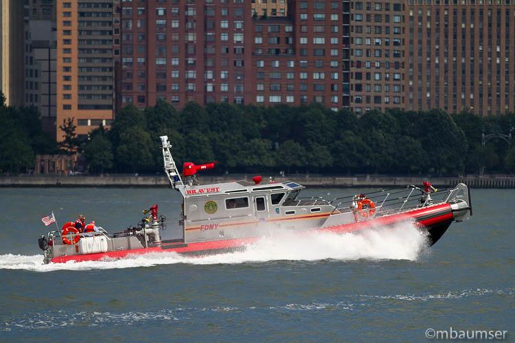 FDNY Fireboat Bravest
