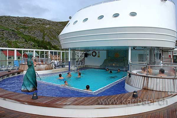 Swimmingpool mit Whirlpool  (83519)