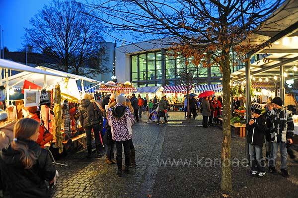 Dorfplatz (92283)