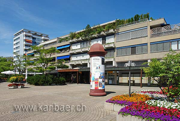 Dorfplatz (75870)