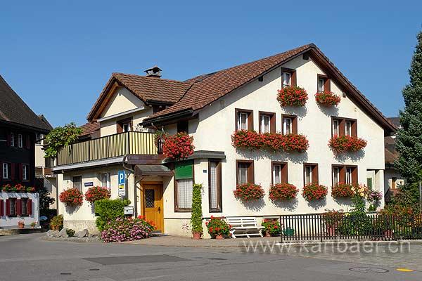 Dorfplatz (78336)