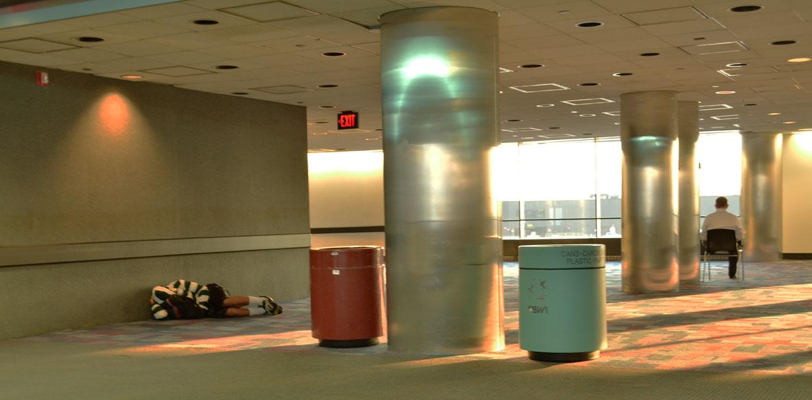 Quiet - Sleep Work in Airport