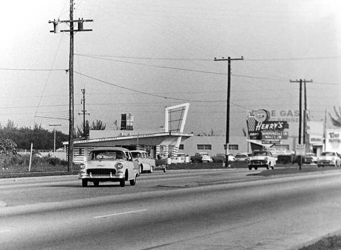 1950s - Henrys Drive-In on NW 27th Avenue and 69th Street