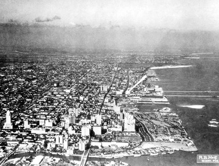 1928 - Aerial of downtown Miami looking north