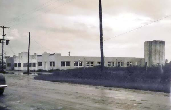 1947 - The Thomas Dairy retail ice cream and milk store 500 feet south of Tamiami Trail on SW 67th Avenue