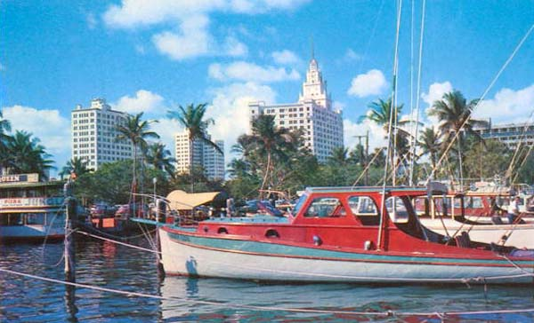 1950s - Fishing boats and the Jungle Queen tour boat at Pier 5 downtown Miami