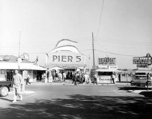 1961 - Pier 5 at Bayfront Park, downtown Miami