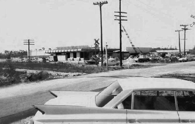 1963 - SW 104 Street looking west from US1