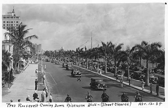 1934 - President Roosevelts motorcade on Biscayne Bouelvard in Miami