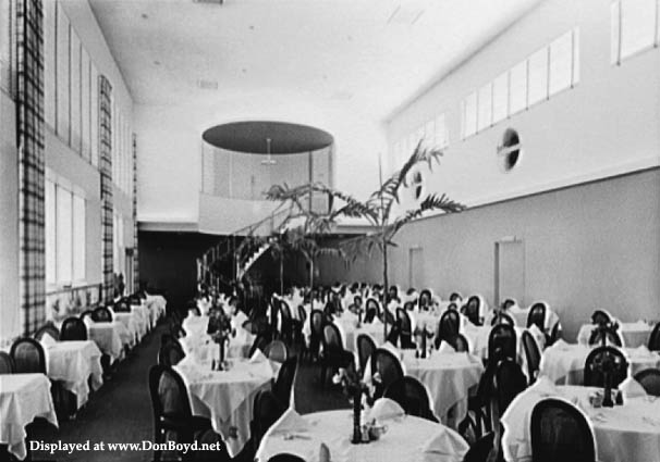 1941 - the dining room of the 7 Seas Restaurant in Miami